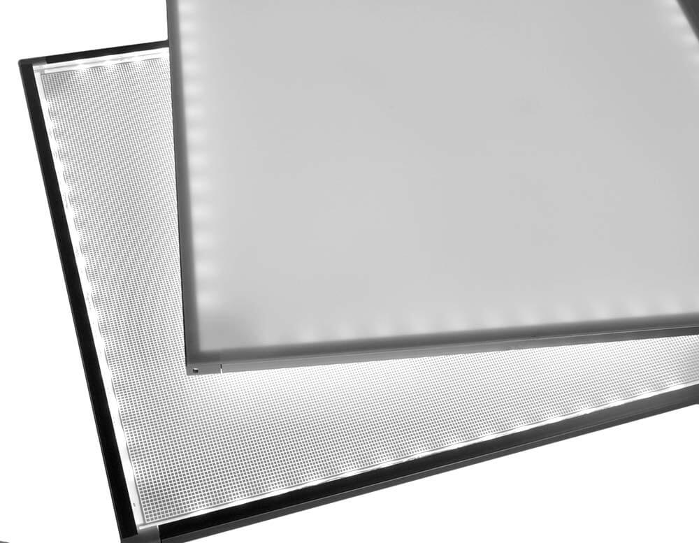 Edge-lit LED back lighting panel